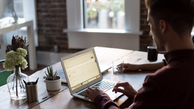 How to Effectively Manage Remote Employees When Communication is an Issue